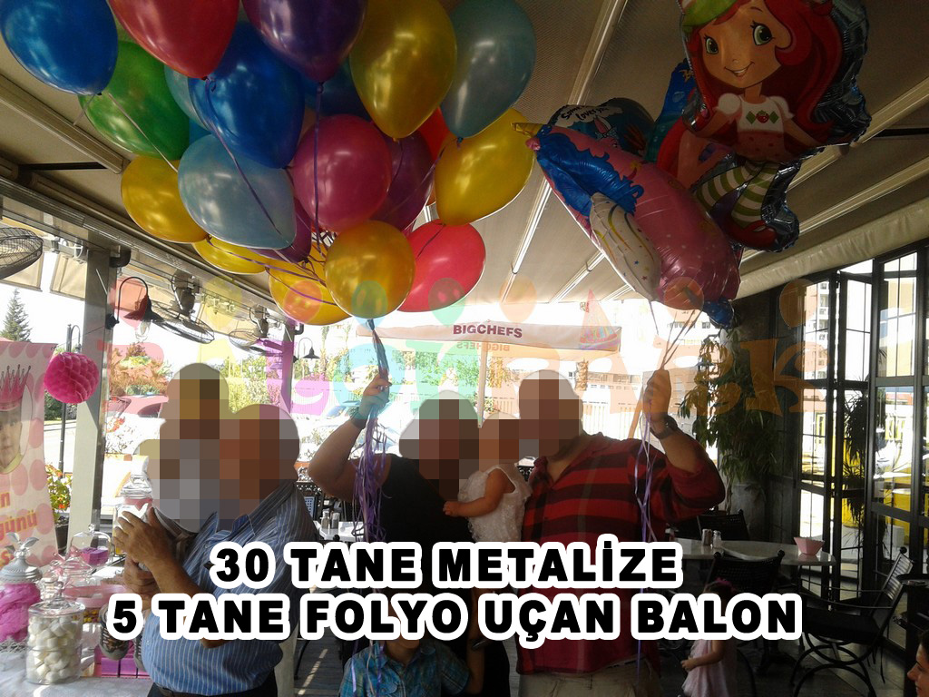 30 uçan metalize balon